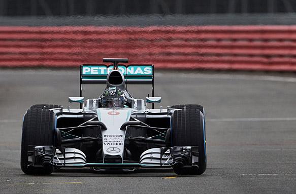 Mercedes F1 W06 shakedown