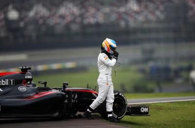 Alonso, broken McLaren