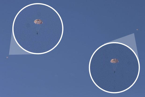 Parachuting pilots in Syria