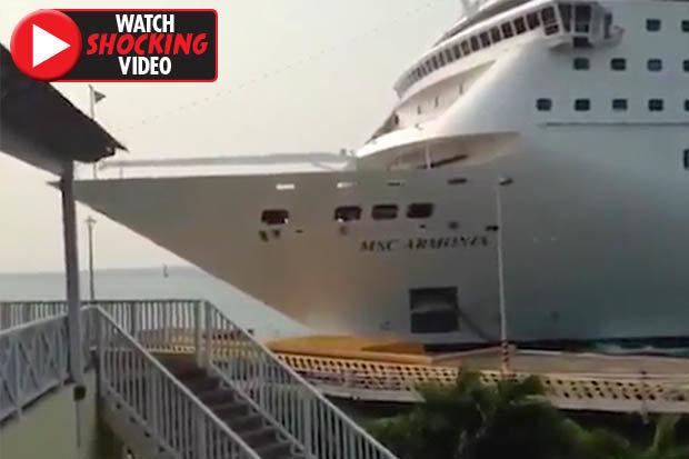The Cruise Ship Crashing Cen Scary The Cruise Ship Smashed Into The Port