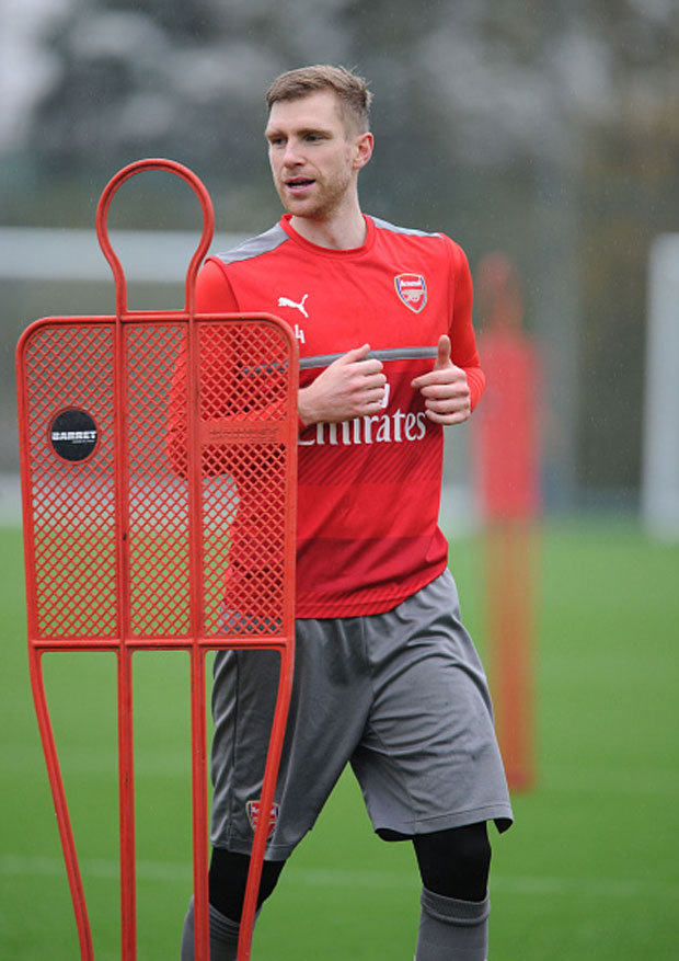 Per Mertesacker could leave Arsenal in January