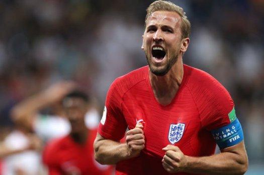 World Cup: Man Utd legend Gary Neville reacts to England's ...