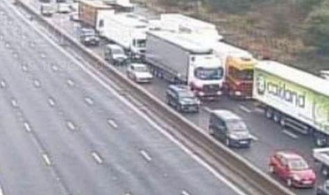 M1 traffic chaos: Two lanes shut after crash