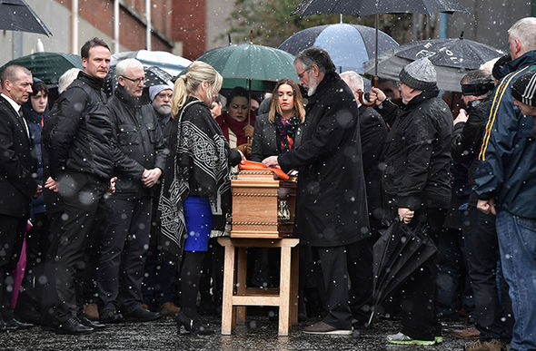 Gerry Adams Londonderry Mcguinness coffin