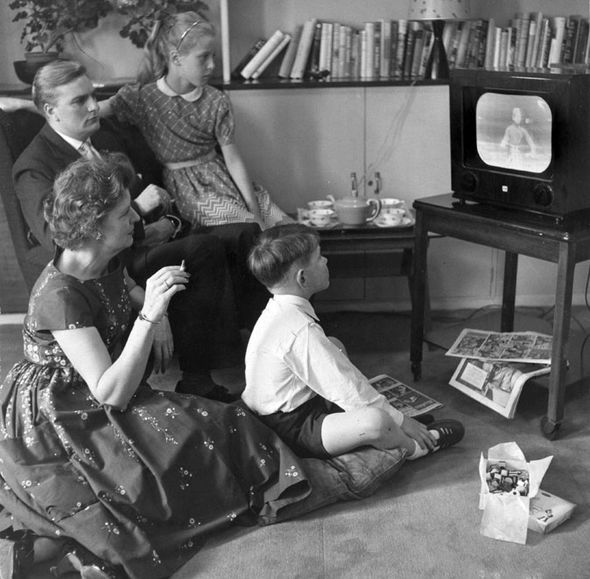 Family watching telly
