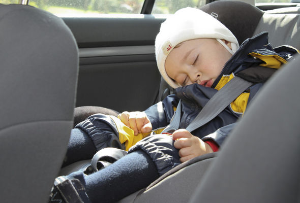 There were more than 4,600 incidents of UK drivers breaking child seatbelt laws in 2015