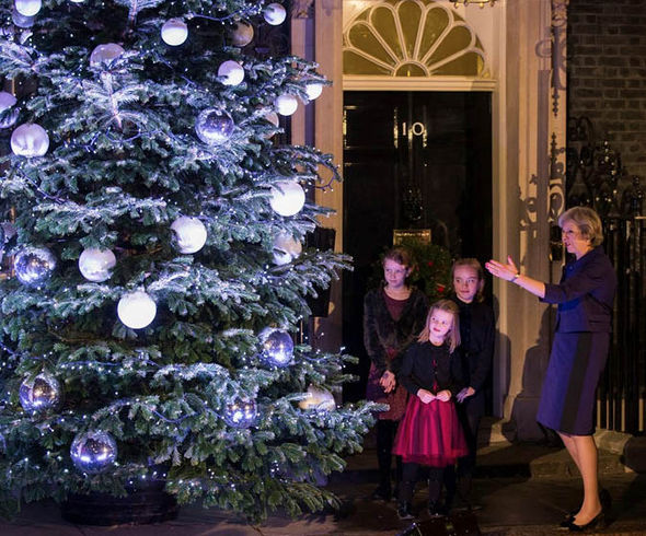 PM Sends Out Christmas Cards Designed By School Children