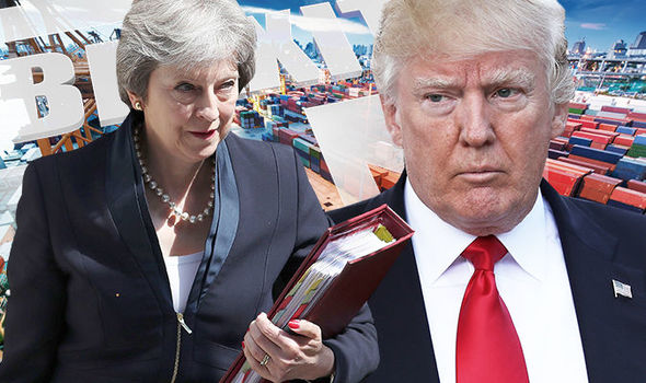 trump helicopter london, trump helicopter, donald trump, trump lands in uk, trump arrives uk, trump stagnated, trump blenheim, donald trump plane, tru