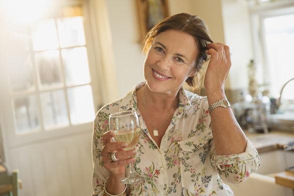fibromyalgia symptoms uk nhs alcohol