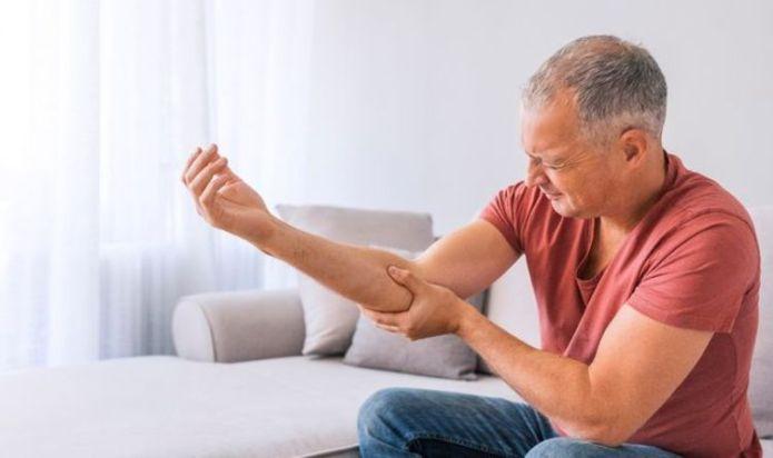 Arthritis symptoms: Four unusual signs of rheumatoid arthritis