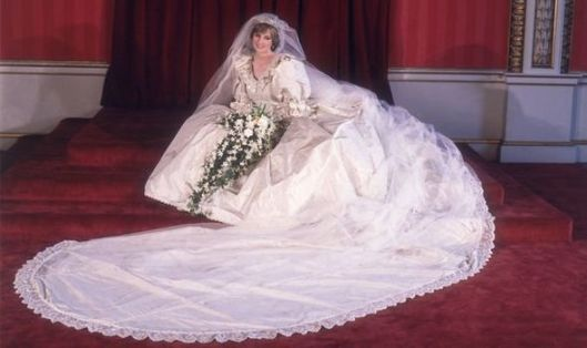 Princess Diana wearing her wedding dress with a long veil, will we see the veil on Snatch Game?