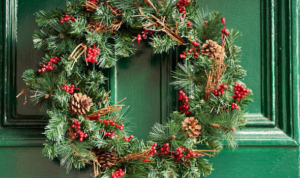 Alan Titchmarsh How To Make A Homespun Festive Wreath