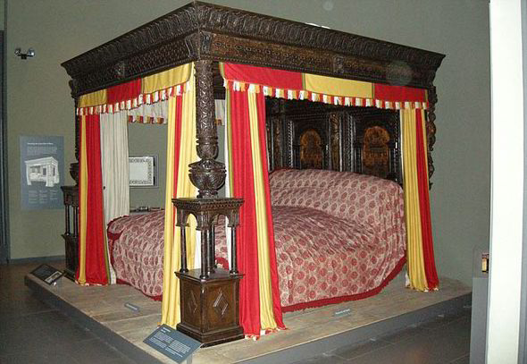 The 10 Iconic Beds That Made History Life Life Amp Style