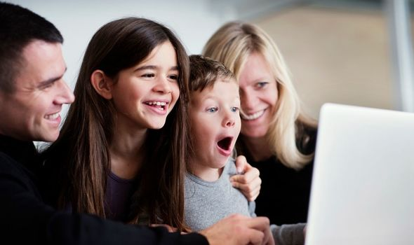 Easy quiz questions: Family video chatting