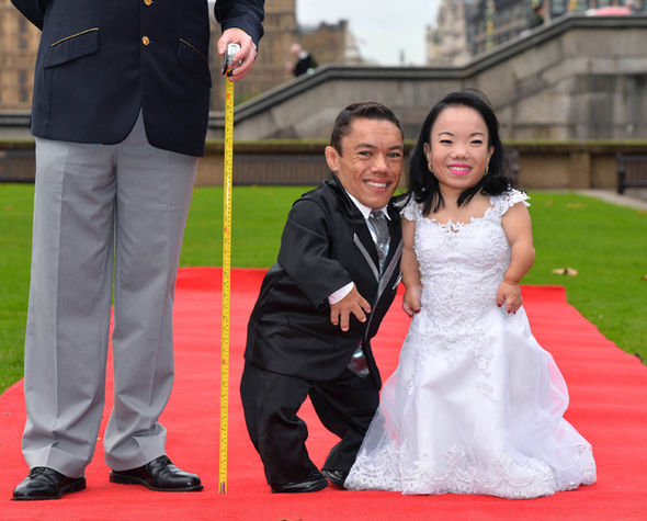 Guinness World Records Day Worlds Shortest Married