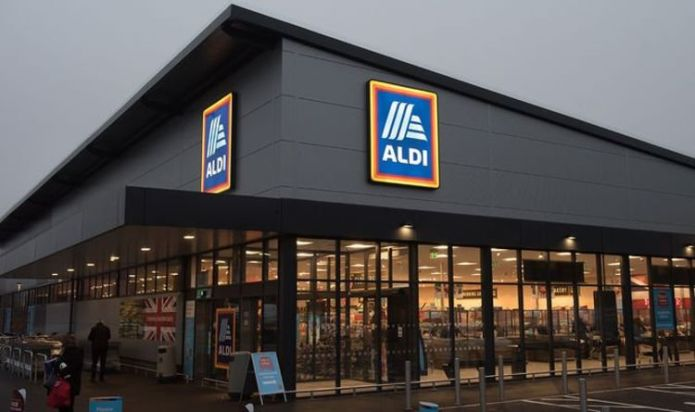 Aldi shoppers gobsmacked by what 'queue jumper' does when he gets to front of the line