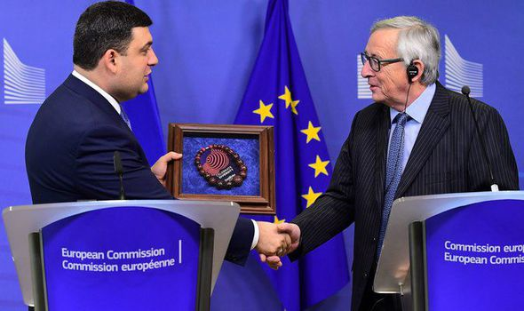 Jean-Claude Juncker and Ukrainian PM Volodymyr Groysman