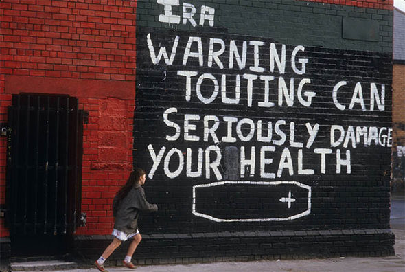 Mural painted by the IRA warning snitches