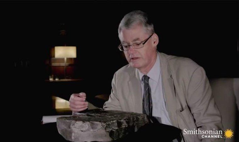 Arqueología más reciente: El Dr. Andrew George habló a través de las inscripciones