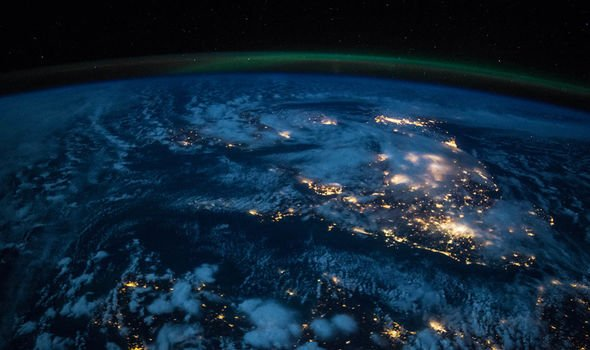 Earth Overshoot Day 2020: Picture of the earth  at night