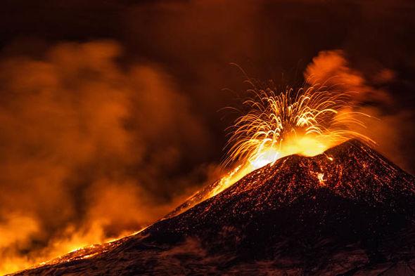 Super volcano eruption: Mount Toba cataclysm