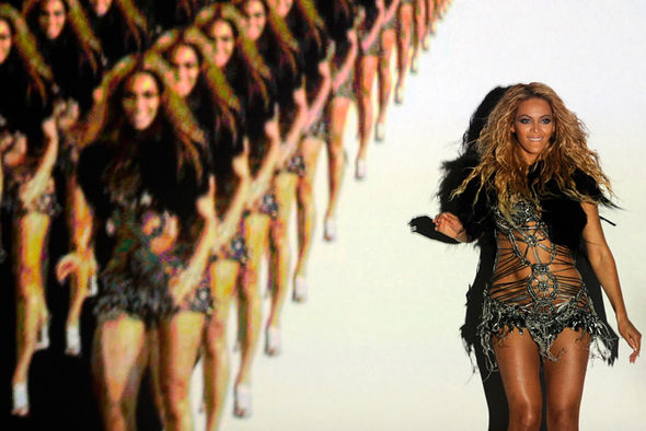 Beyonce performs at the Billboard Awards