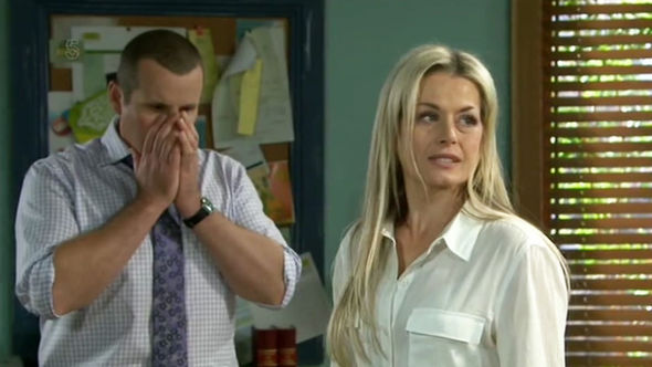 Dee Bliss Neighbours