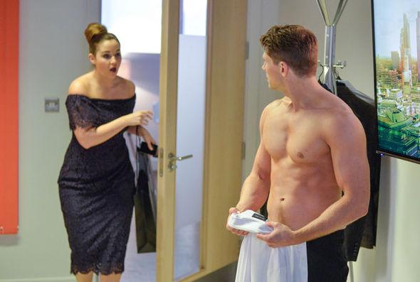 Lauren Banning pregnant 2017 EastEnders