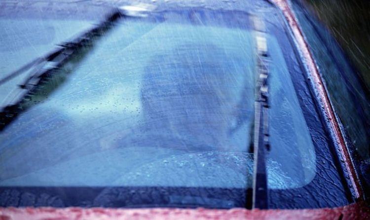 1100422 Windscreen wipers WARNING - How you could land a £100 fine driving in the rain