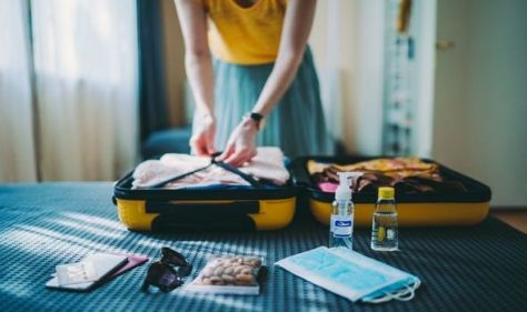 'Genius or mental': Woman shocks people with 'crazy' holiday packing technique