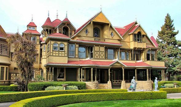 Výsledek obrázku pro winchester house tourist attraction