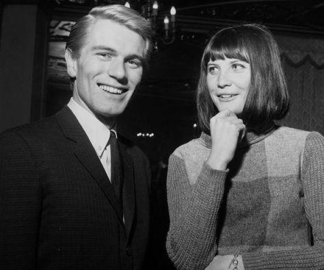 Sandie Shaw with Adam Faith in 1964