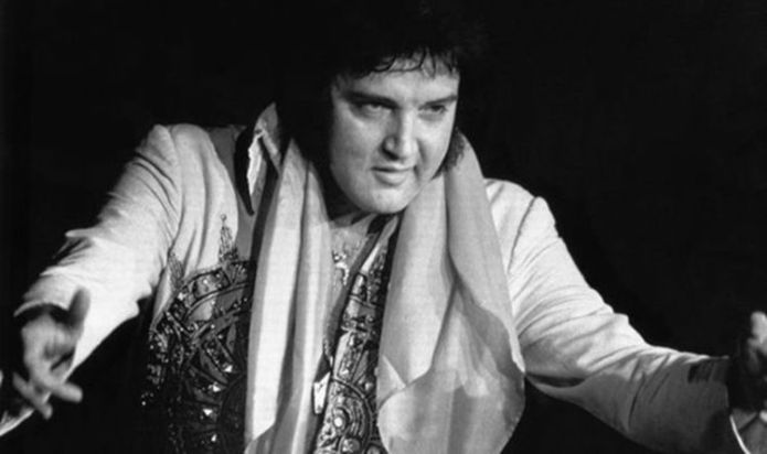 Elvis heroically jumped out of limo to stop fight with karate skills just before his death