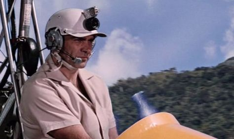 James Bond helicopter used in You Only Live Twice for auction... Shaken, not whirred