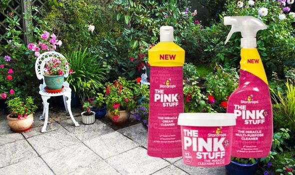 Mrs Hinch fan cleans her filthy patio with £1 cleaning product 1