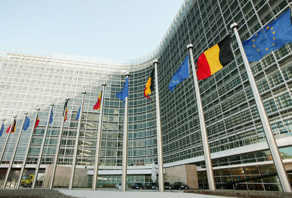european commission headquarters roaming charges