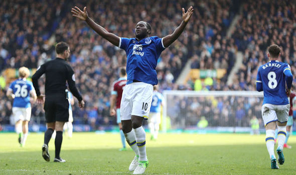 TRANSFER NEWS LIVE: Manchester United want Romelu Lukaku