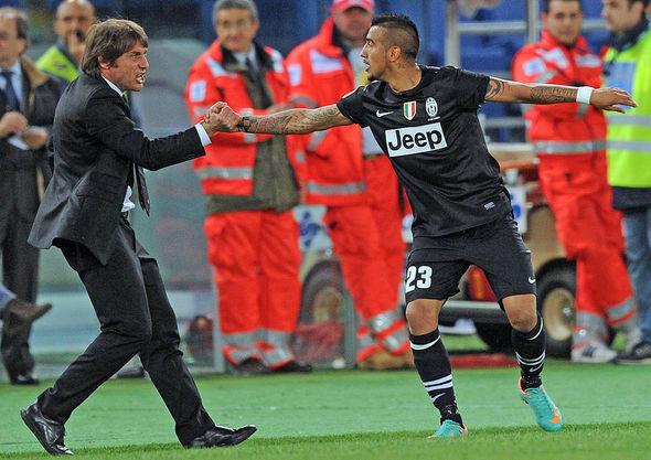 Arturo Vidal and Antonio Conte