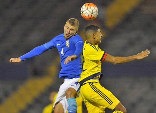 Lyanco playing for Brazil