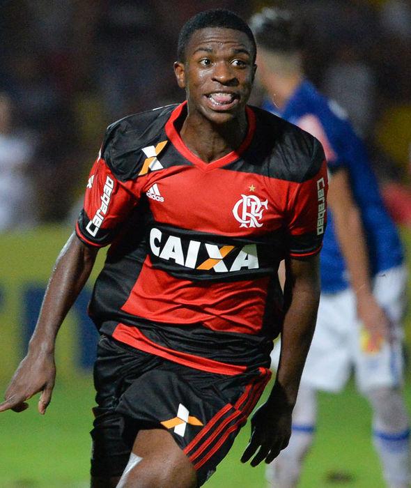 Vinicius Junior in action for Flamengo