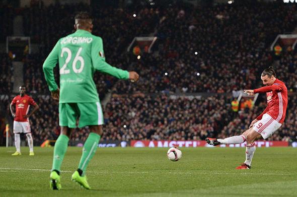 Zlatan Ibrahimovic scores for Man United