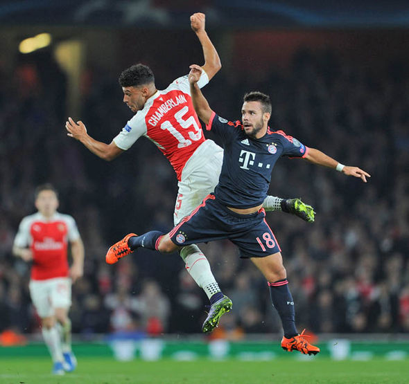 Alex Oxlade Chamberlain playing against Bayern