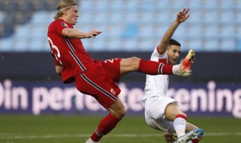 Chelsea hit with Erling Haaland transfer delay as Tuchel makes Abramovich request