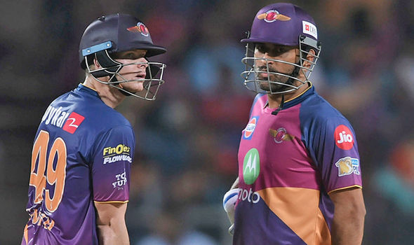 Steve Smith and MS Dhoni batting in the IPL