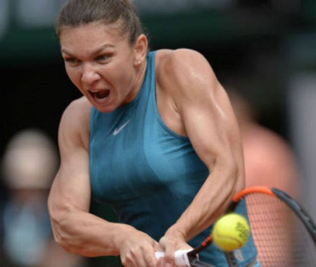 Simona Halep Gives Very Interesting Response To Serena Williams V Maria Sharapova Question