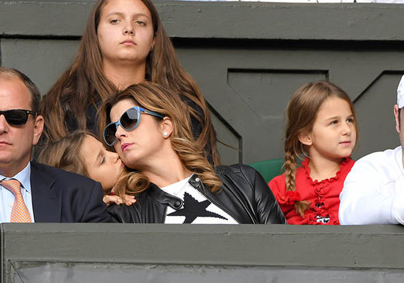 Mirka Federer with her daughters