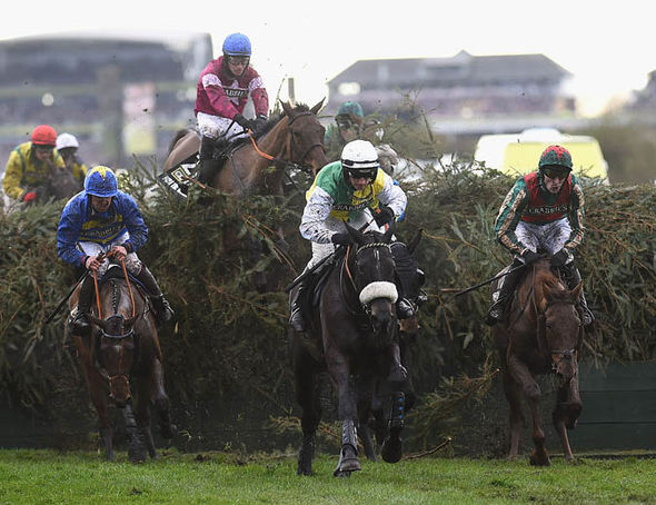 Rule the World, centre rear, at Grand National 2016