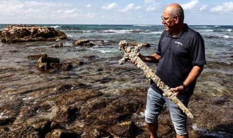 Archaeology breakthrough: Scuba diver finds 900-year-old First Crusade sword