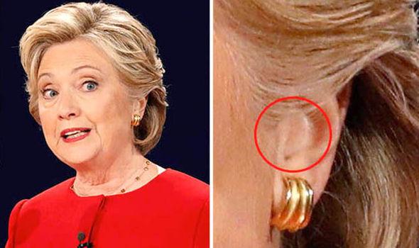 Hillary Clinton desgaste de un auricular