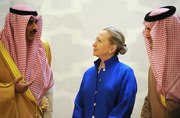 Hillary no hijab